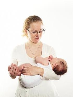 Хендлинг или как правильно носить ребёнка